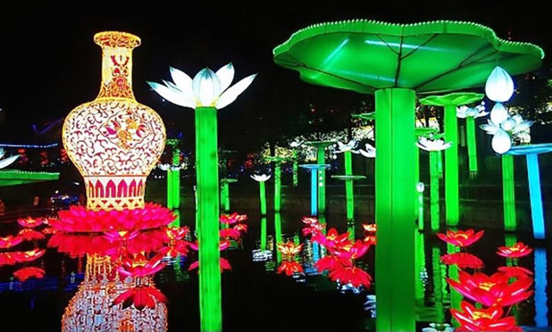 現代化燈組:蓮花